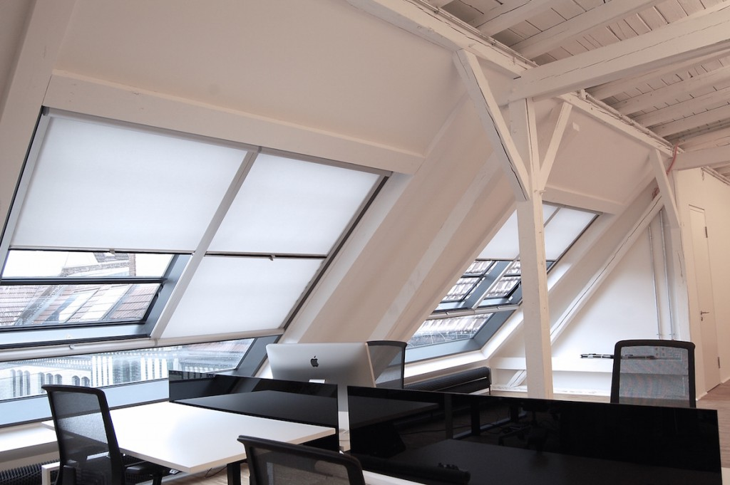Sonnen- und Blendschutz: Unsere Sonderlösung für die Dachschrägenfenster beim Start-Up Hubrick
