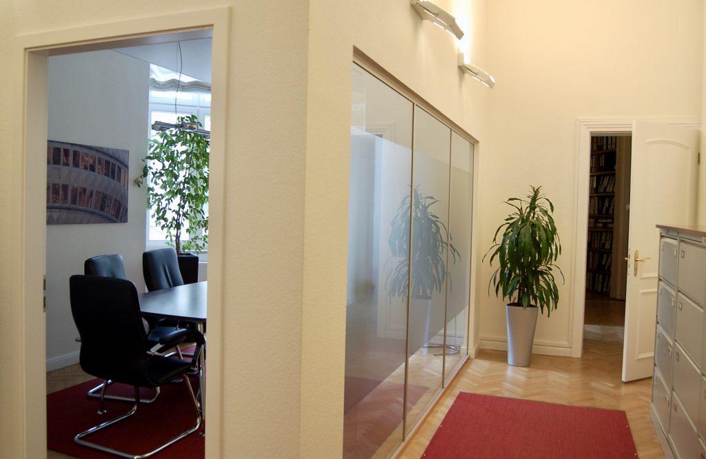 Raum-in-Raum : Sonderanfertigung von ALLTEC Bürokonzept